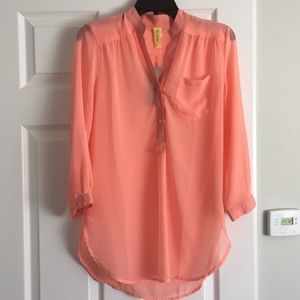 NWT. Coral Tunic Blouse. Size Small.